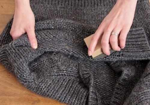 image چطور به سادگی پرز لباس های بافت را از بین ببریم