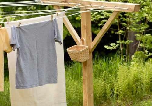 image چطور رنگ دادن یک لباس به لباس دیگر را پاک کنیم
