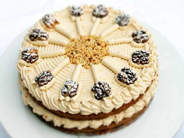 image آموزش درست کردن کیک چند طبقه گردویی