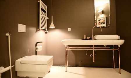image سرویس بهداشتی را چطور باید شست تا کاملا تمیز شود