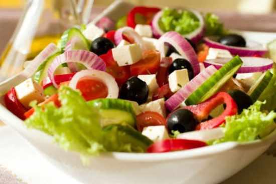 image دستور درست کردن ویژه سرآشپز برای سالاد یونانی