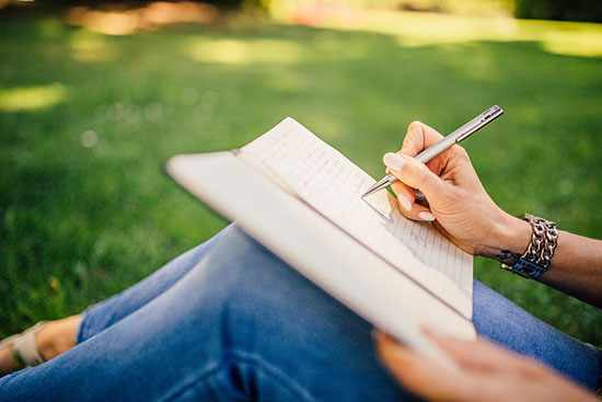 image, آیا واقعا نوشتن احساسات و مشکلات به سلامتی روانی کمک میکند