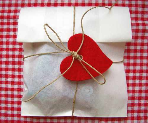 image, ایده های کادو کردن هدیه برای نامزد و همسر