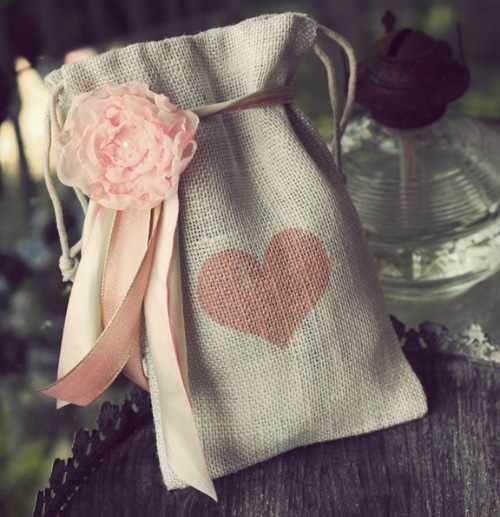image ایده های کادو کردن هدیه برای نامزد و همسر