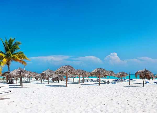 image معرفی زیباترین ساحل های دنیا برای رسیدن به آرامش با عکس