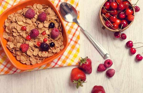image, استفاده از کورن فلکس یا برشتوک برای صبحانه مضر یا مفید