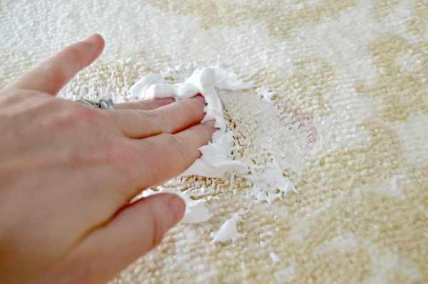 image یک ترفند جادویی و کاربردی برای پاک کردن لکه های دائمی فرش