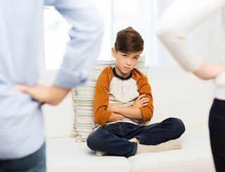 image اگر فرزند نوجوان شما سرکش و حرف گوش نکن شده