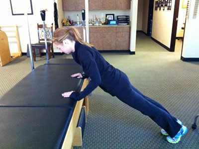 image چطور در خانه و بدون وسایل ورزشی حرفه ای ورزش مفید داشته باشد