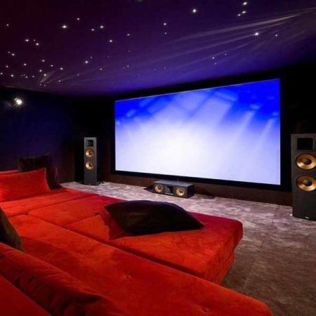 image طراحی فوق العاده زیبا برای اتاق سینمای خانگی