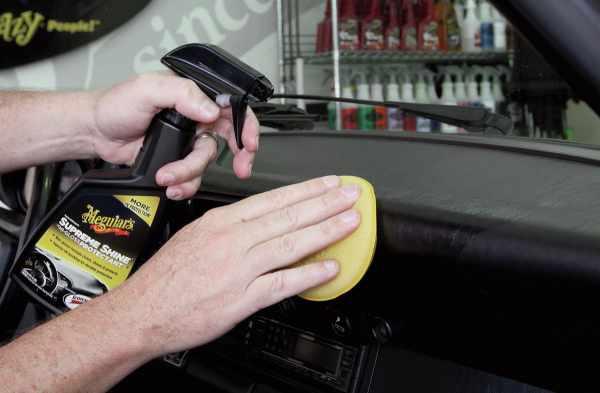 image آموزش تمیز کردن داخل ماشین بدون نیاز به کارواش