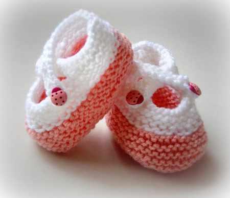 image مدل های بافتنی شیک پاپوش برای نوزاد