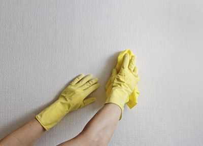 image آموزش پاک کردن لکه دوده بخاری و شومینه از روی دیوار