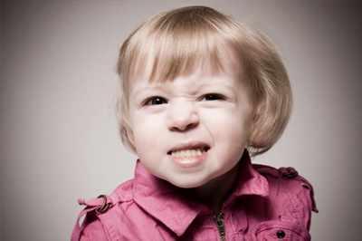 image چرا کودکان دندان قروچه میکنند و عوارض آن چیست