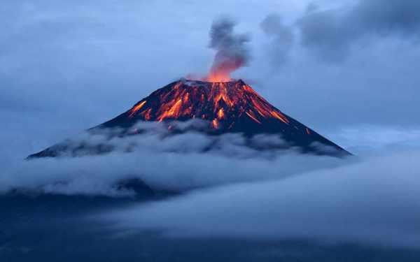 image نکته های جالب و خواندنی درباره پدیده آتشفشان