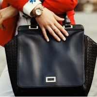 image, خطرات استفاده از کیف های سنگین برای سلامتی