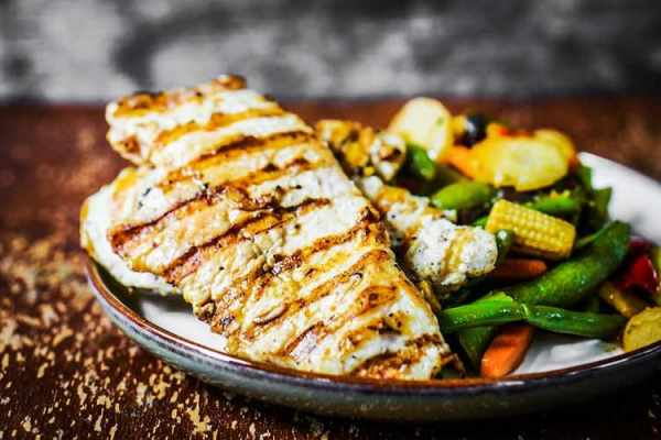 image آموزش پخت غذای سالم و مقوی خوراک مرغ همراه سبزیجات