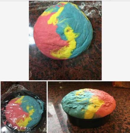image آموزش پخت تصویری نان های رنگی مخصوص بچه ها