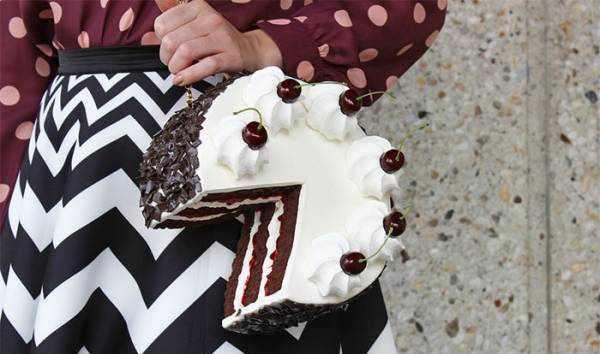 image عکس های دیدنی از مدل های کیف دستی زنانه شکل خوراکی و کیک