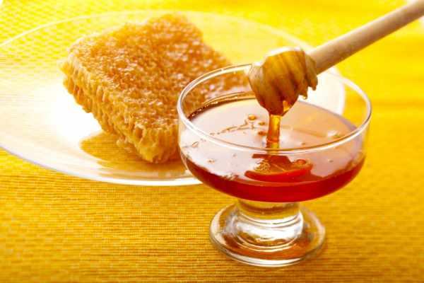 image بهترین راه ها برای تشخیص طبیعی بودن عسل
