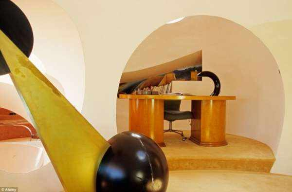 image تصاویر دیدنی از هتلی با معماری عجیب در فرانسه
