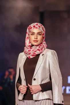 image تصویری زیبا از نمایش مد اسلامی در لندن
