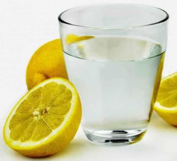 image چرا اینقدر روی نوشیدن آب با آب لیمو تاکید شده