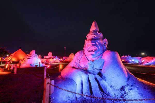 image عکس های دیدنی از مجسمه های شنی ساخته شده در ساحل