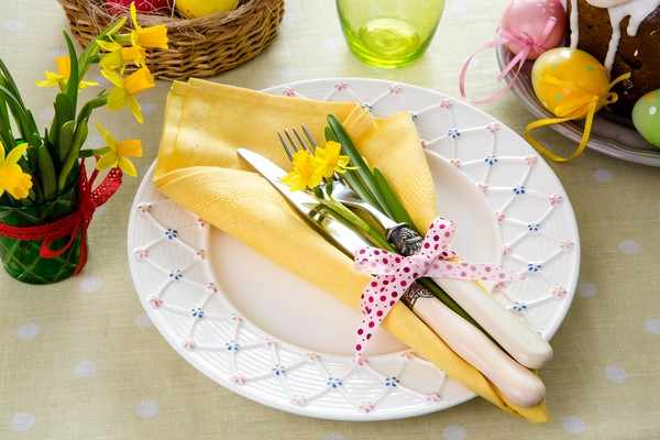 image مدل های جدید و خلاقانه برای تزیین میز غذاخوری مجلسی