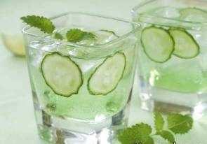 image آب خیار نوشیدنی معجزه گر برای سلامت