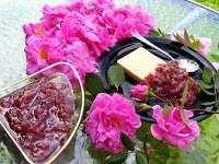 image آموزش درست کردن مربای گل محمدی و گرفتن تلخی آن