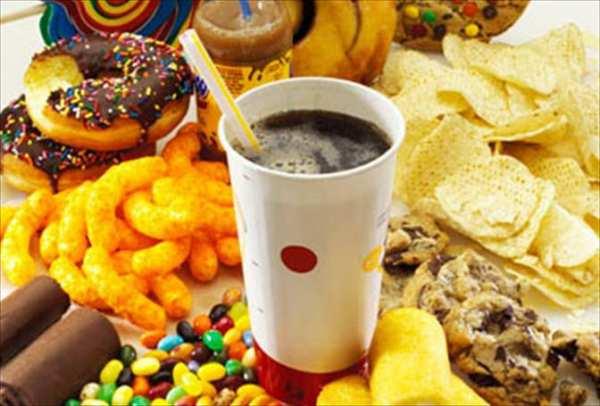 image غذاها و خوراکی هایی که خوردن آنها شما را گرسنه تر میکند