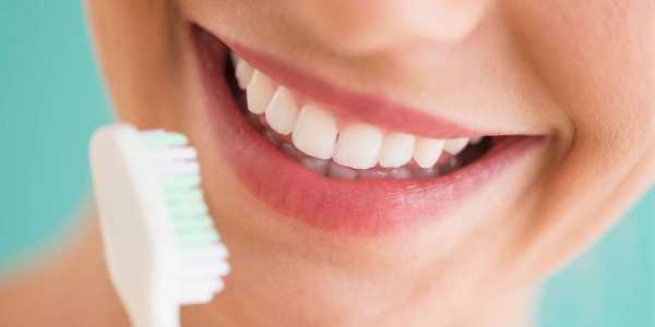 image, چطور دندان های سفید و درخشان داشته باشید با مواد طبیعی