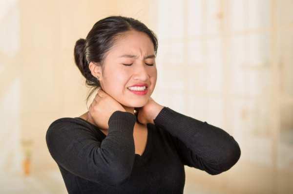 image چرا گردن دچار خشکی و درد می شود و راه درمان