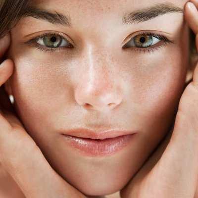 image راهکارهایی برای حفظ شادابی پوست های حساس