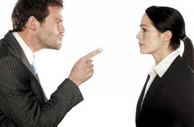 image شوهرم مرا کتک می زند باید با او چطور رفتار کنم