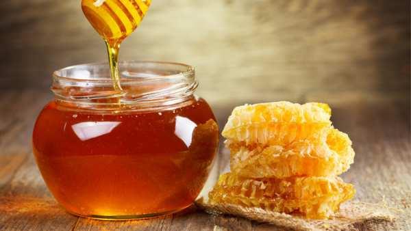image مصرف آب و عسل به طور روزانه چه فایده ای برای سلامتی دارد