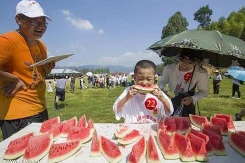 image تصاویر زیبا از جشنواره هندوانه در شهر دانجای چین