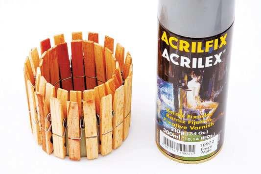 image آموزش تصویری ساخت شمعدان تزیینی با گیره لباس
