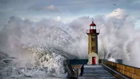 image, عکسی دیدنی از توفان در ساحل شهر پورتو پرتغال