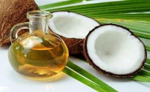 image, بدون دارو خشکی و ترک لب های خود را درمان کنید