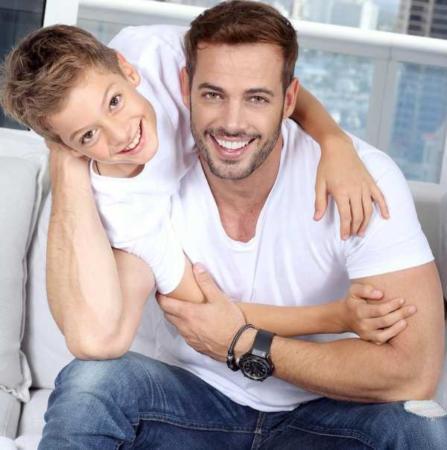 image عکس جدید ویلیام لوی همراه با پسرش