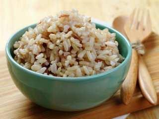 image, مصرف برنج قهوه ای به جای برنج سفید چه فایده ای دارد