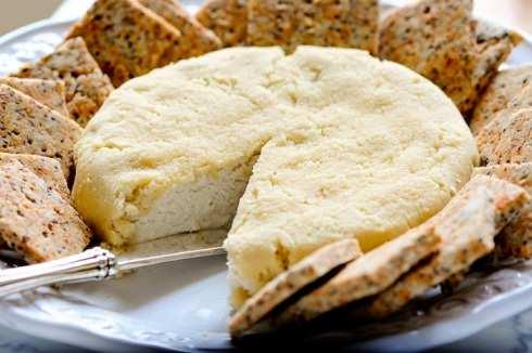 image آموزش تهیه پنیر مخصوص بادام