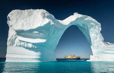 image, کوههای یخی منطقه گرینلند در نزدیکی قطب شمال
