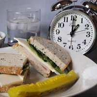 image, اثرات دیر شام خوردن بر سلامتی انسان