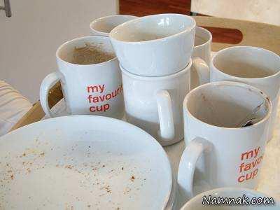 image ترفند سریع پاک کردن لکه های چای روی فنجان