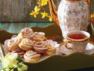 image آموزش پخت شیرینی گل رزی خانگی برای عید