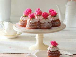 image آموزش پخت مینی کیک های خانگی برای عید