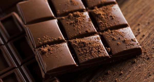 image مصرف شکلات تلخ یا شیری کدام برای سلامتی مفیدتر است